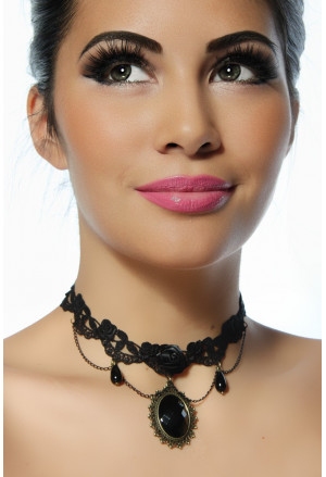 Elegant gothic necklace