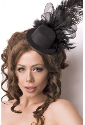 Black vintage  top hat with feathers