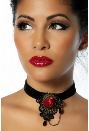The charming gothic necklace with red rose