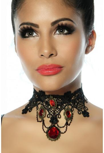 Očarujúci gothic náhrdelník s červenými kamienkami