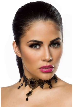 Necklace in Gothic appearance