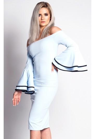 Elegantné bledomodré šaty so zvonovými rukávmi