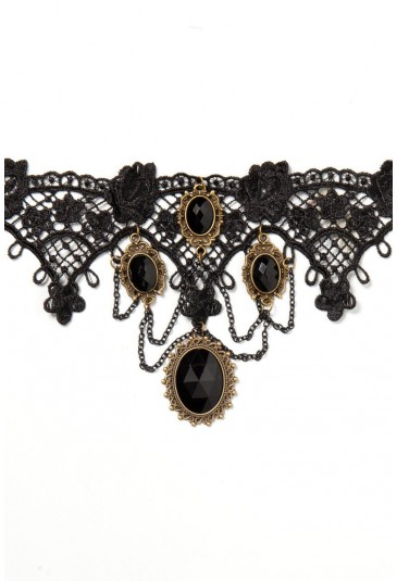 The charming gothic necklace with black rhinestones