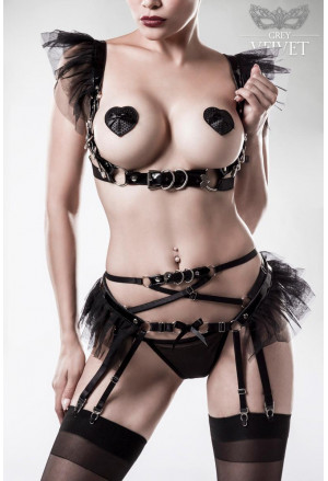 Seductive 4 piece erotic set by Grey Velvet