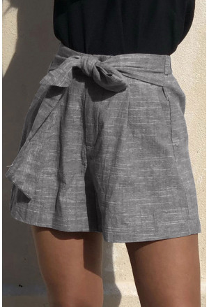 Elegant high waist shorts